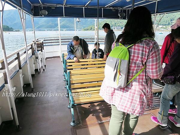 河口湖遊船 (16).JPG