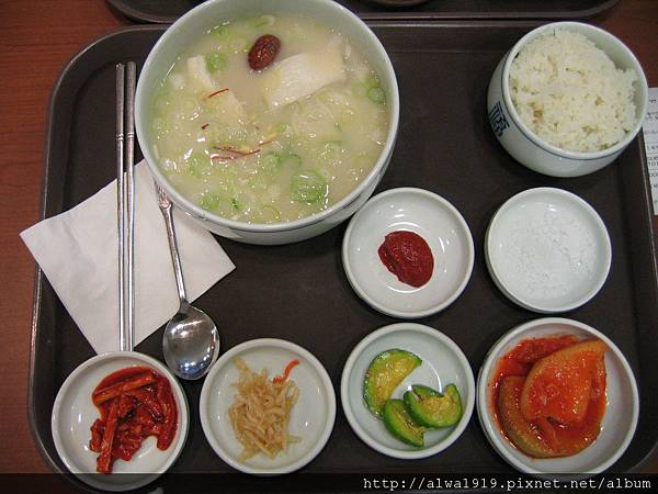 道道地地的韓國料理-泡菜辣的夠味.JPG
