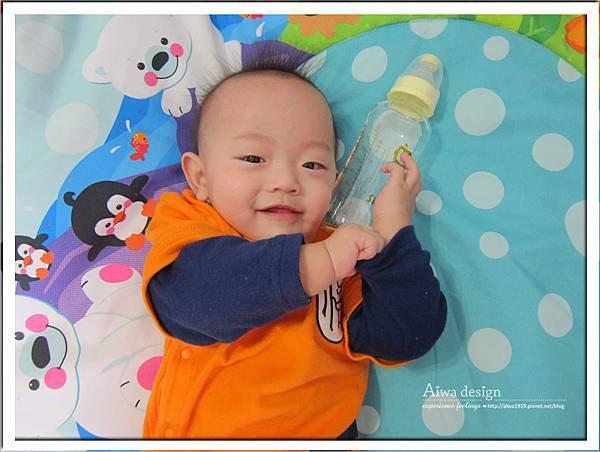 小獅王辛巴超輕鑽標準葫蘆玻璃大奶瓶-05.jpg