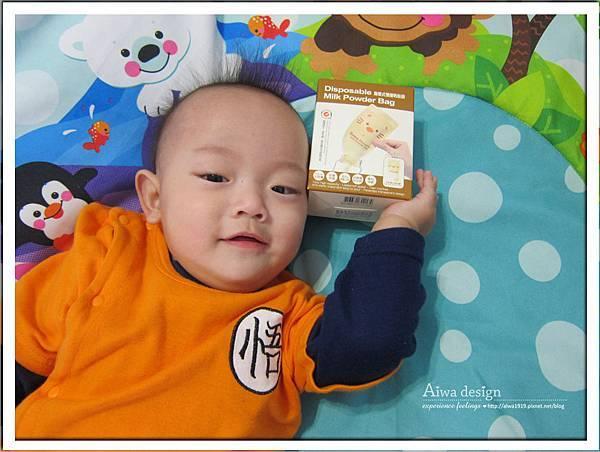 小獅王辛巴超輕鑽標準葫蘆玻璃大奶瓶-06.jpg