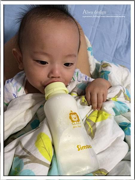 小獅王辛巴超輕鑽標準葫蘆玻璃大奶瓶-24.jpg