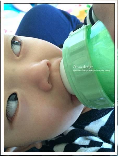 菲斯成長5階段環保雙層奶瓶,專利防脹氣安心奶嘴-13.jpg