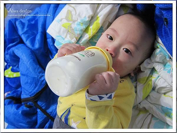 小獅王辛巴PPSU自動把手寬口雙凹中奶瓶-17.jpg