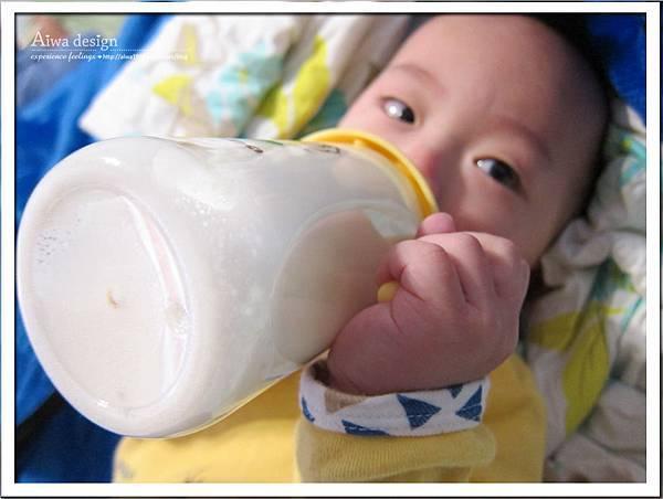 小獅王辛巴PPSU自動把手寬口雙凹中奶瓶-21.jpg