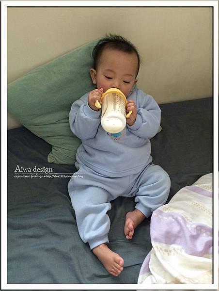 小獅王辛巴PPSU自動把手寬口雙凹中奶瓶-23.jpg