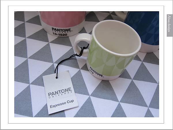 PANTONE UNIVERSE馬克杯+矽膠隔熱杯-13.jpg