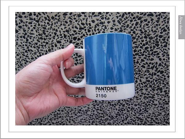 PANTONE UNIVERSE馬克杯+矽膠隔熱杯-12.jpg
