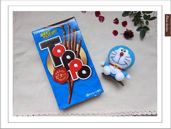 LOTTE TOPPO巧克力棒-微苦 濃郁微苦巧克力+酥脆蝴蝶餅身絕佳組合-01.jpg