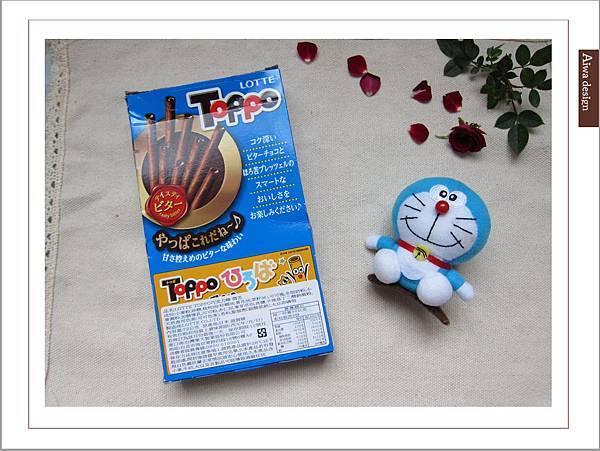 LOTTE TOPPO巧克力棒-微苦 濃郁微苦巧克力+酥脆蝴蝶餅身絕佳組合-02.jpg
