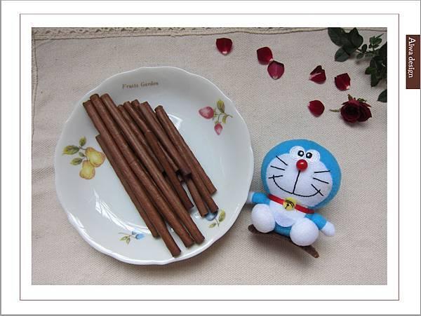 LOTTE TOPPO巧克力棒-微苦 濃郁微苦巧克力+酥脆蝴蝶餅身絕佳組合-07.jpg
