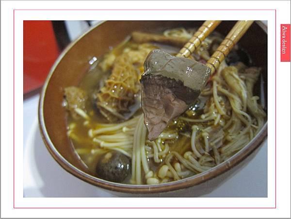 饗城食品-常溫方便菜系列-28.jpg
