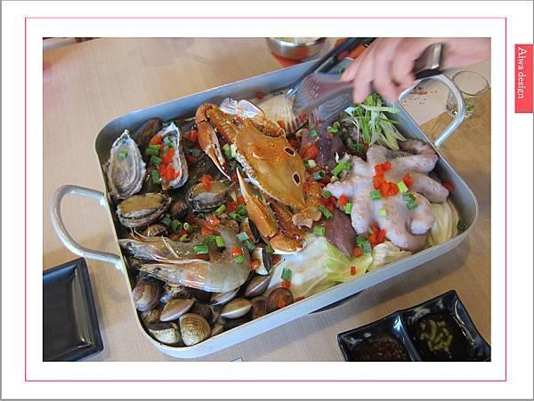 《新竹美食》【OMAYA春川炒雞】人氣高CP的「釜山巨無霸海鮮盆」每一口都是滿足的鮮甜甘美-10.jpg
