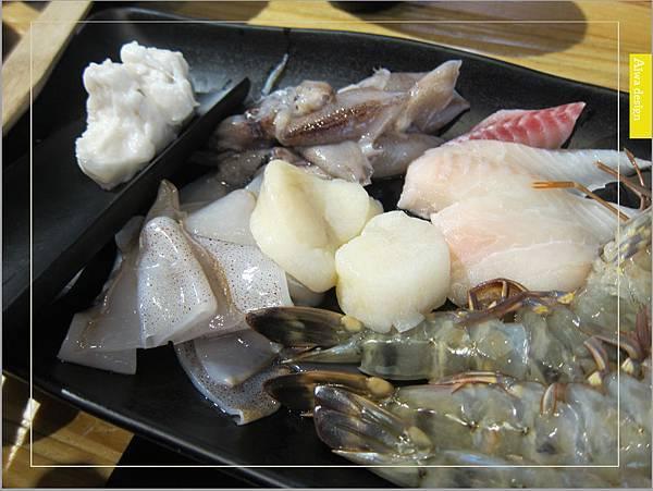 鍋牛鍋物,頂尖食材,甘醇湯頭,豐富配料,火鍋最能療癒人心-17.jpg