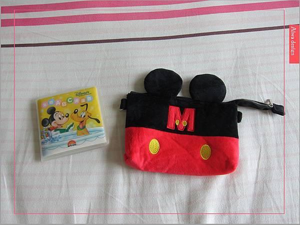 【俏媽咪穿搭】迪士尼造型可斜背觸控手機包,米奇造型超可愛-01.jpg