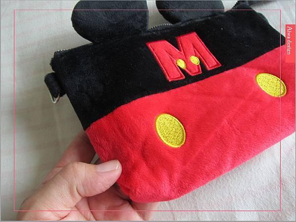 【俏媽咪穿搭】迪士尼造型可斜背觸控手機包,米奇造型超可愛-03.jpg
