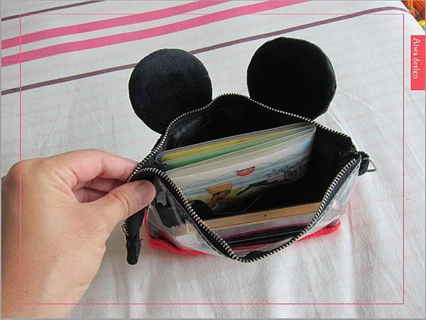 【俏媽咪穿搭】迪士尼造型可斜背觸控手機包,米奇造型超可愛-05.jpg