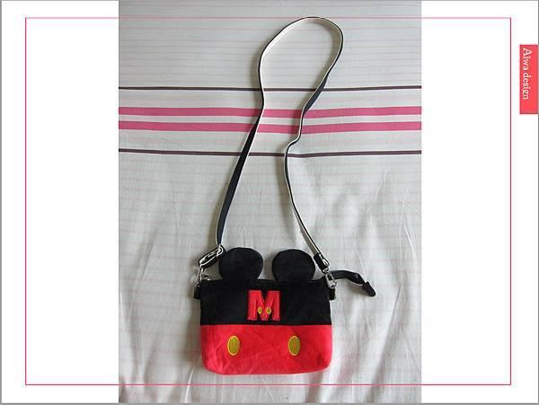 【俏媽咪穿搭】迪士尼造型可斜背觸控手機包,米奇造型超可愛-06.jpg