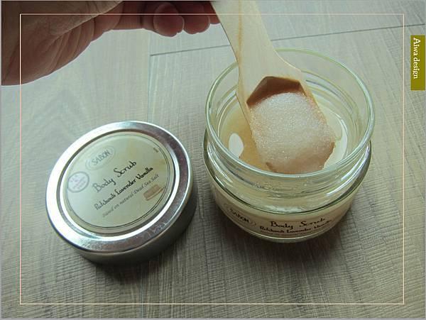 《Sabon 身體磨砂膏》以色列死海礦鹽細緻顆粒擁有獨特多重切面,能溫和去除老廢角質-03.jpg