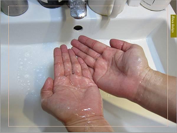 《Sabon 身體磨砂膏》以色列死海礦鹽細緻顆粒擁有獨特多重切面,能溫和去除老廢角質-12.jpg