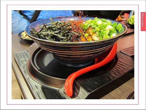 麵屋花魁!東京豚骨拉麵,一場華麗的視覺饗宴,一碗醇厚的拉麵美味!舌尖幻想的,眼睛先品嘗-23.jpg