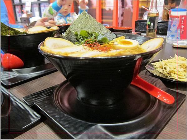 麵屋花魁!東京豚骨拉麵,一場華麗的視覺饗宴,一碗醇厚的拉麵美味!舌尖幻想的,眼睛先品嘗-24.jpg