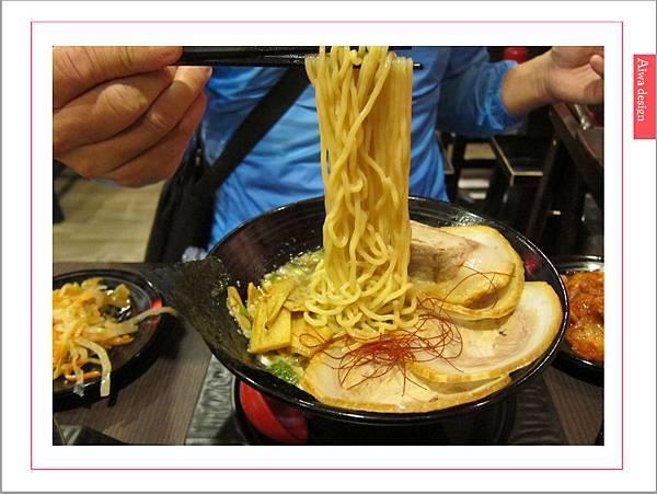 麵屋花魁!東京豚骨拉麵,一場華麗的視覺饗宴,一碗醇厚的拉麵美味!舌尖幻想的,眼睛先品嘗-25.jpg