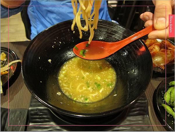 麵屋花魁!東京豚骨拉麵,一場華麗的視覺饗宴,一碗醇厚的拉麵美味!舌尖幻想的,眼睛先品嘗-33.jpg