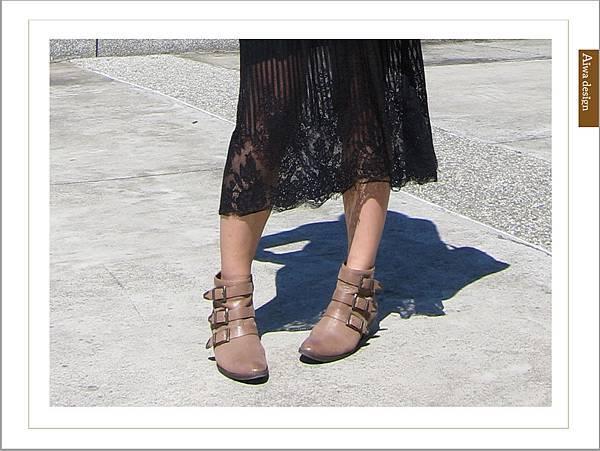 【穿搭】秋日LOOK,簡約氣質。穿上VINCE CAMUTO 扣環經典皮革短靴-01.jpg