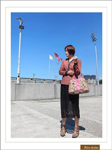 【穿搭】秋日LOOK,簡約氣質。穿上VINCE CAMUTO 扣環經典皮革短靴-02.jpg