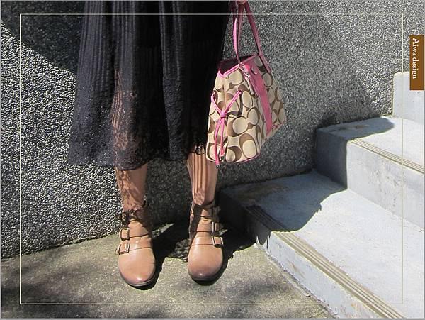 【穿搭】秋日LOOK,簡約氣質。穿上VINCE CAMUTO 扣環經典皮革短靴-10.jpg