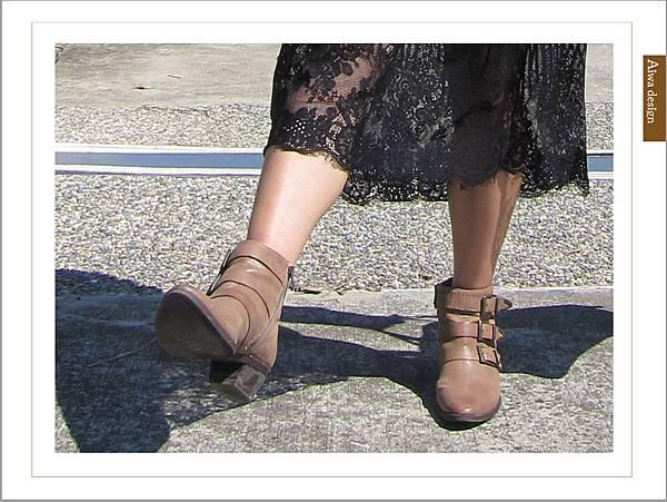【穿搭】秋日LOOK,簡約氣質。穿上VINCE CAMUTO 扣環經典皮革短靴-15.jpg
