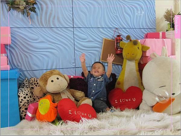 【攝影寫真】台中柏琳婚紗BERLEIN WEDDING,留下孩子最美的笑容-12.jpg
