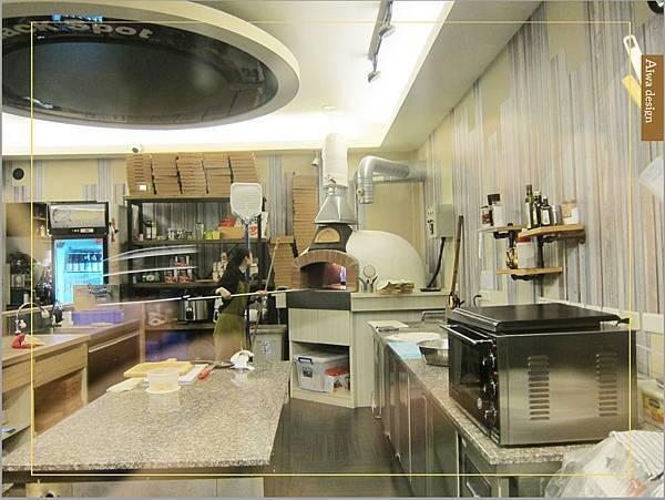 洋溢可愛鄉村風的轉角726,手工窯烤PIZZA,爽口滋味起司濃厚,義大利麵配料好豐盛-08.jpg