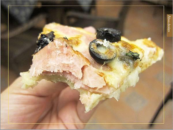 洋溢可愛鄉村風的轉角726,手工窯烤PIZZA,爽口滋味起司濃厚,義大利麵配料好豐盛-21.jpg