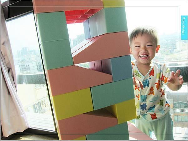 【無毒兒童玩具】Bei'sBaby貝斯寶貝,好玩的益智積木,尺寸巨大,安全輕巧,顏色粉嫩,增進親子互動-35.jpg
