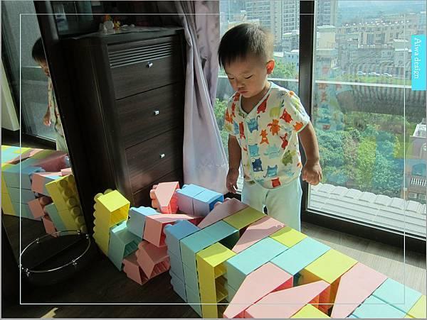 【無毒兒童玩具】Bei'sBaby貝斯寶貝,好玩的益智積木,尺寸巨大,安全輕巧,顏色粉嫩,增進親子互動-36.jpg