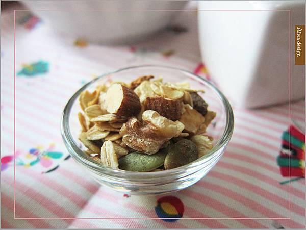 【早餐吃好料】純蜂蜜的好醣,配上繽紛莓果多層次口感,唯有阿啾穀物,讓健康美味盈滿餐桌-03.jpg