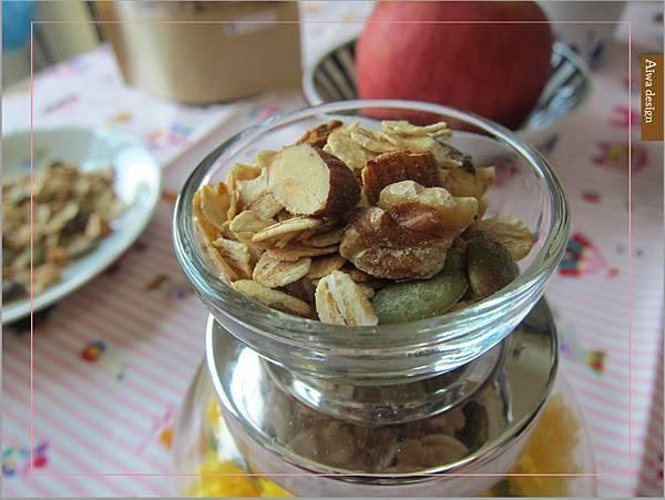 【早餐吃好料】純蜂蜜的好醣,配上繽紛莓果多層次口感,唯有阿啾穀物,讓健康美味盈滿餐桌-07.jpg