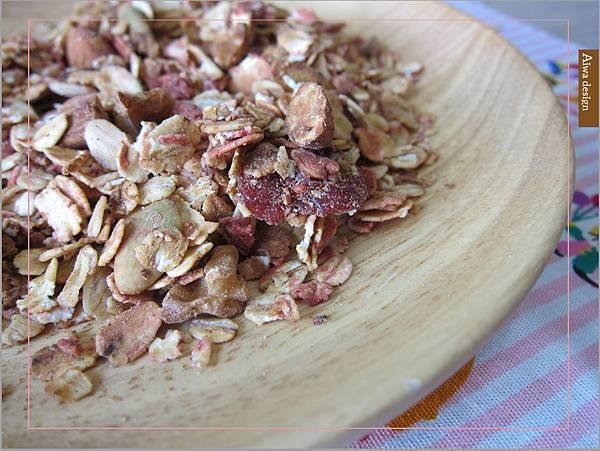 【早餐吃好料】純蜂蜜的好醣,配上繽紛莓果多層次口感,唯有阿啾穀物,讓健康美味盈滿餐桌-12.jpg