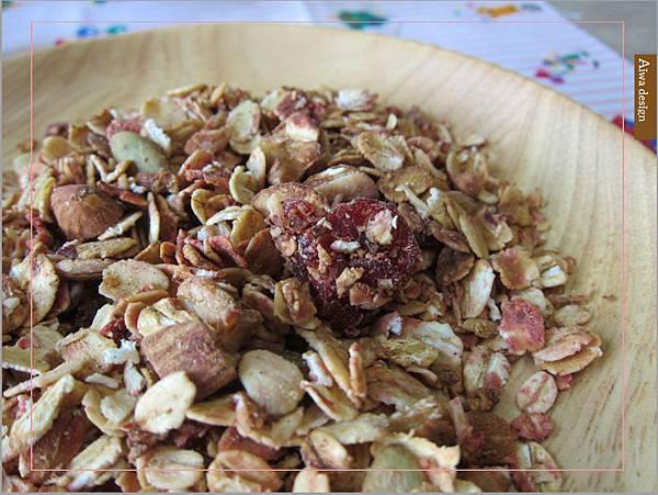 【早餐吃好料】純蜂蜜的好醣,配上繽紛莓果多層次口感,唯有阿啾穀物,讓健康美味盈滿餐桌-13.jpg
