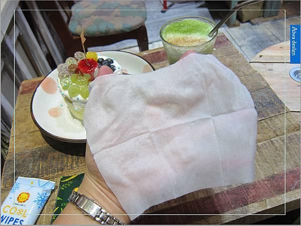 獅子寶寶輕漾系列柔濕巾,柔細觸感、無酒精、無螢光劑,讓媽咪使用安心。迷你包裝、隨身攜帶好方便-07.jpg