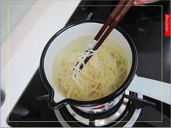 金博概念皇家松露雞湯,隨時享用如私廚現煮!湯汁清爽鮮甜。金博概念皇家番茄酢醬麵,只要5分鐘,在家輕鬆吃好料-10.jpg