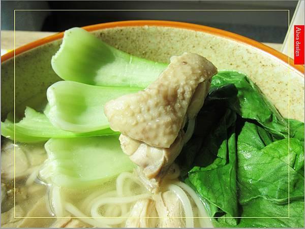 金博概念皇家松露雞湯,隨時享用如私廚現煮!湯汁清爽鮮甜。金博概念皇家番茄酢醬麵,只要5分鐘,在家輕鬆吃好料-16.jpg