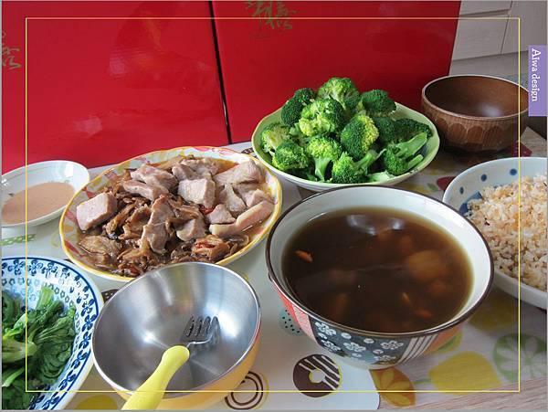 《華膳空廚》天涼就要喝湯啊!巴西蘑菇珍寶湯,融入蔬菜熬製而成的高湯,滋味鮮美甘甜-03.jpg