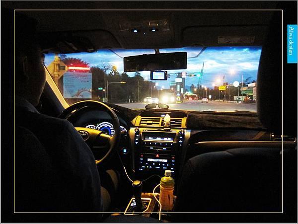 【新竹縣市機場接送推薦】鼎鋒租賃車,專業的機場接送,司機素質良好,合法經營,安全迅速-03.jpg