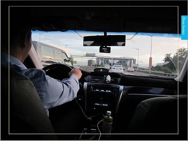 【新竹縣市機場接送推薦】鼎鋒租賃車,專業的機場接送,司機素質良好,合法經營,安全迅速-07.jpg