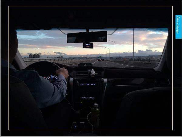 【新竹縣市機場接送推薦】鼎鋒租賃車,專業的機場接送,司機素質良好,合法經營,安全迅速-13.jpg