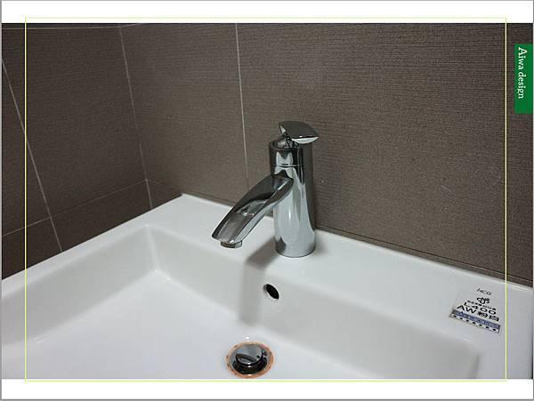 居家清潔《海麗士》水垢清潔、馬桶汙垢通通一網打盡!超好用的浴廁清潔劑,讓浴室煥然一新-23.jpg