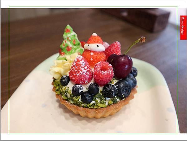 【聖誕萬歲,可愛無罪】哈甜豬 Honey Piggy!手做甜點+夢幻水果塔,一起來享受甜蜜又美味的童話世界下午茶-02.jpg