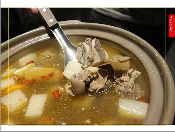 【新竹美食愛吃文】888快炒!冬天的羊肉爐好清新,肉質Q彈,不沾醬也好吃-24.jpg